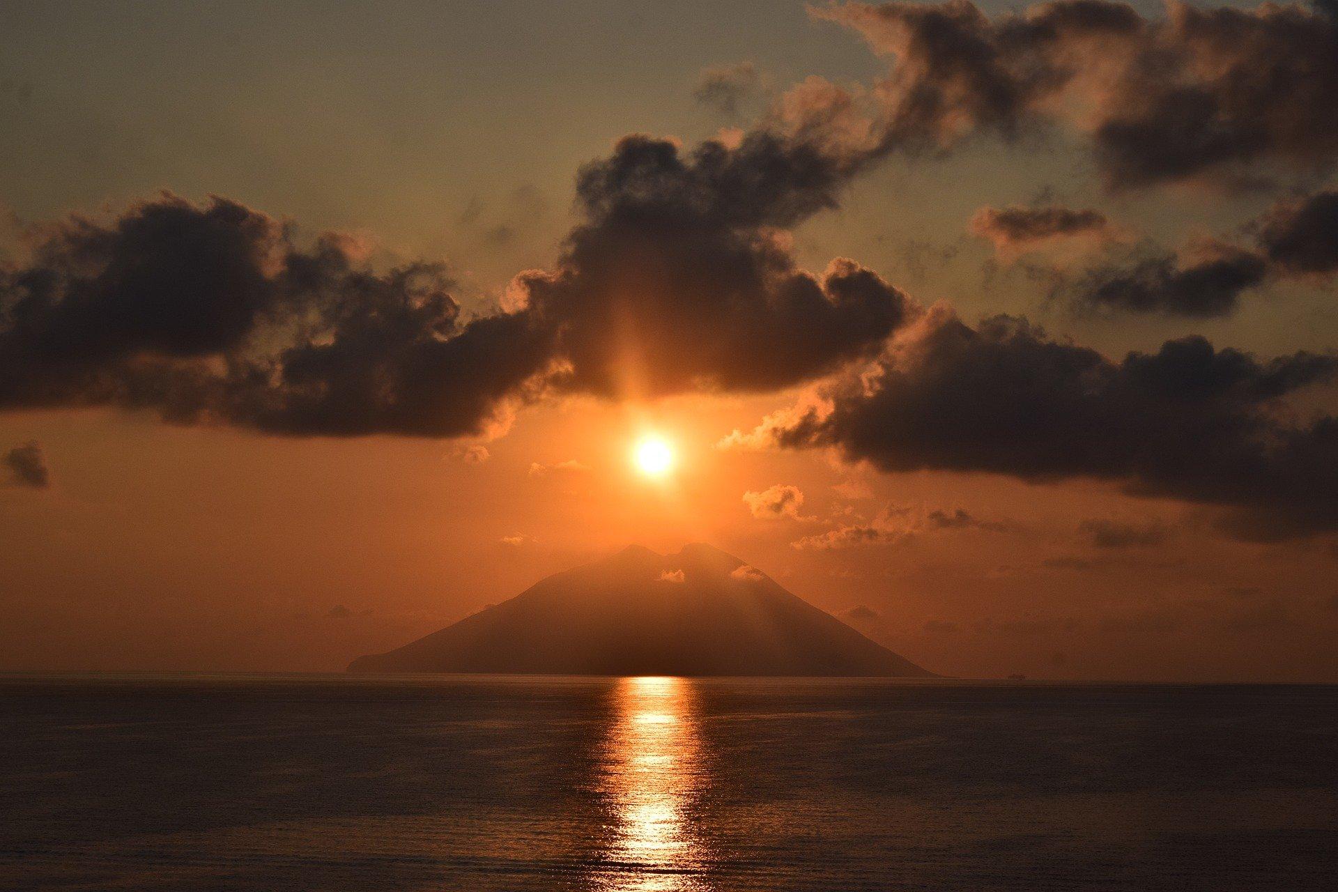 Sunset Stromboli - Aeolian Islands